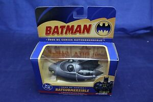 1:43 Batman Corgi 2000 DC Comics Batsubmersible Batmobile Item # 77321.