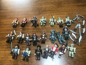 Mega Bloks Lot of 22 Pirates of the Caribbean Figures + Swords/weapons