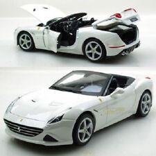 Voitures, camions et fourgons miniatures blancs Ferrari 1:8
