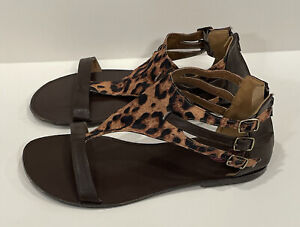 TORRID Size 11 Wide Cheetah Leopard Gladiator Buckle Faux Thong Strappy Sandal