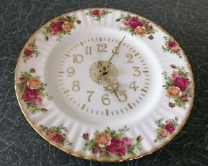 Royal Albert Old Country Roses Clock with gold numbers