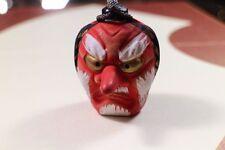 Masques et objets ethniques en céramique pour la décoration intérieure de la maison