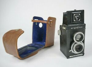 Argoflex TLR 75mm,f.4.5 twin lens film camera With Leather case