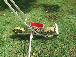 Earthway 1001-B Precision Garden Seeder with 6 Seed Plates & next row guide.