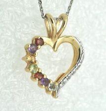 Runde Halsketten und Anhänger aus Edelsteinen mit Liebes- & Herz-Themen