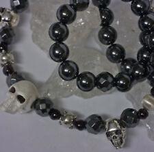 Runde Echtschmuck-Halsketten & -Anhänger im Collier-Stil mit Granate