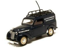 Renault Juvaquatre 1952 Gendarmerie SOLIDO