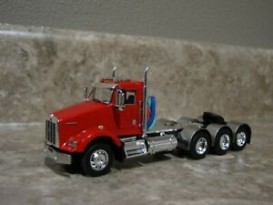 DCP 1/64 Tri-Axle Red Kenworth T800 Daycab Semi Truck Farm Toy