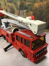 VINTAGE MATCHBOX K-39 SUPERKINGS ERF SIMON SNORKEL COUNTY FIRE ENGINE MODEL