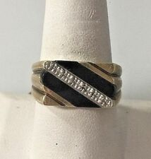GENTLEMENS YELLOW GOLD ONYX DIAMOND SIGNET RING SIZE 10