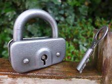 Lucchetto antico vintage con una chiave, funzionante, da COLLEZIONE, Hobby 06-02
