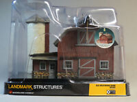 WOODLAND SCENICS O SCALE LIGHTED OLD WEATHERED BARN BUILT & READY gauge 5865 NEW