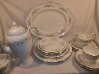 Vintage Wedgewood Westbury R4410 Various Cup/Plates Etc In Excellent Condition