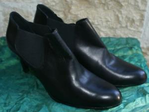 STRENESSE Stiefelette Ankle Boots schwarz Echtleder Gr. 42 / UK 8 NEU!