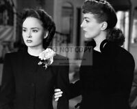 """ANN BLYTH AND JOAN CRAWFORD IN """"MILDRED PIERCE"""" - 8X10 PUBLICITY PHOTO (AB-264)"""