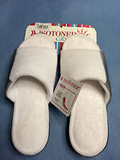 Womens***ISOTONER CABANAS***SZ.9.5-10***WHITE***WHAT A GIFT!!!!!!