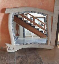 Specchio rettangolare fatto a mano in Travertino Chiaro con inserto di mosaico
