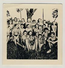 BADESZENE SWIMSUIT BADEANZUG YOUNG MEN & WOMEN FUN SPASS * 50s Amateur Photo