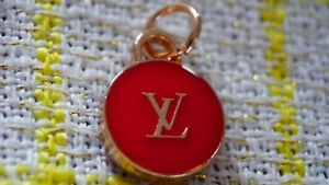 One  Authentic Louis Vuitton 1 pieces   metal zipper pull  💔gold & red 20 mm