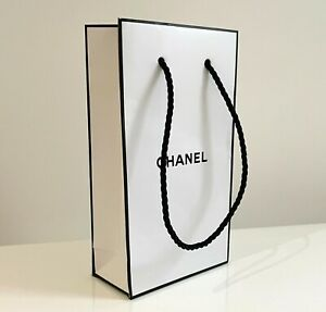CHANEL ❤︎ White with Black Gift Bag - 9.7 x 17.7 x 4.8cm SMALL - NEW