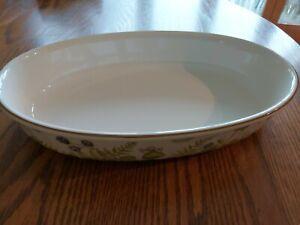 Villeroy & Boch Forsa Fern & Blackberry Large Oval Dish. 13in (Top Measurement)