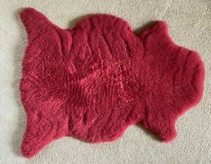 Genuine red sheepskin rug from Argentine Patagonia. 2x3 Ft.