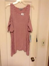 absolutely famous Womans's Top Size Large NWT