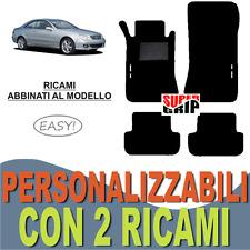 PER MERCEDES CLK W209 TAPPETI AUTO IN MOQUETTE E FONDO IN GOMMA + 2 RICAMI EASY