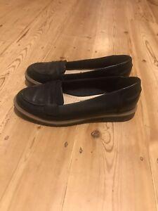 Clarks Somerset black leather slip on shoes, size 4.5 D / Eur 37.5.