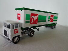 MACHBOX K-17 SUPERKINGS CONTAINER TRUCK  7-UP CONTAINERS