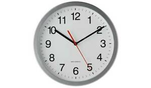 New Radio Controlled Wall Clock Diameter 30cm Clear Black Numbers