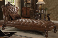NEW HERMOINE BROWN BYCAST LEATHER ANTIQUE CHERRY OAK FINISH WOOD CHAISE LOUNGER