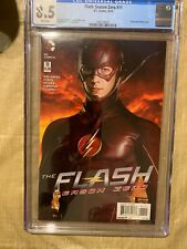 The Flash, Season Zero #11, Grant Gustin Cover ( CGC 8.5  ) Free Shipping