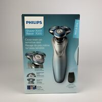 Philips Series 7000 Wet/Dry Cordless Rotary Shaver (S7910/16) - Light Blue