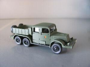 RK-Modelle Tatra 141 Schwerlastzugmaschine mit Pritsche in grün NVA für Spur TT