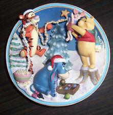 1998 Winnie the Pooh 3D plate FRIENDS MAKE CHRISTMAS SPARKLE Wonderlit Winter >A