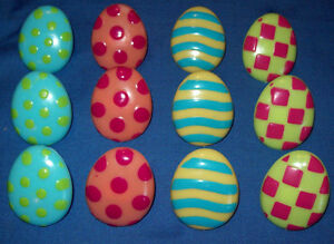 TWELVE DECORATIVE EASTER EGG SHAPED PLASTIC RINGS FOR CUPCAKES OR DESSERTS