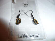 EARRINGS BLACK WITH GOLD STONES