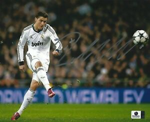 "CRISTIANO RONALDO SIGNED 8"" x 10"" PHOTO COA Juventus FC Portugal Real Madrid Man"