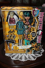 Monster High - Cleo de Nile i heard fashion  new 2013 new extremely rare