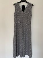 Weekend Max Mara Dress Filippo Size 4 V Neck Black And White Midi Sleeveless New