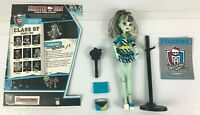 Monster High Doll Frankie Stein Picture Day + Fearbook 2008 Mattel
