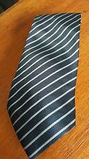 Nueva sin etiquetas para hombres CALVIN KLEIN corbata de seda a rayas en azul marino AB Fab!