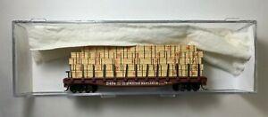 Atlas N Scale #38134 Western Maryland 50'Flat Car w/Stakes & Lumber Load-169762J