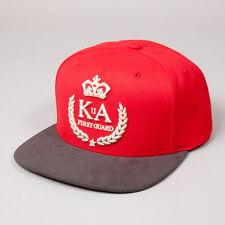 Premier roi garde rouge avec en daim noir pic ajustable casquette cap