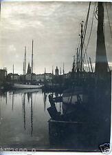 "photo de Sadi Dermendjieff "" Soir à la Rochelle "" le port.  24 X 17 cm"