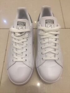 MENS ADIDAS STAN SMITH TRAINERS SIZE 8 ( WORN ONCE)