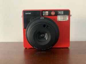 Leica Sofort Instant Camera in Red