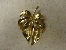 Tone Ladies Brooch Palm Tree Prawn Gold