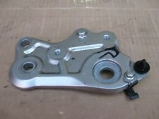 YAMAHA MT07 MT 07 700 2014-2017 FRONT RIGHT FOOTREST PEG HANGER MOUNTING PLATE